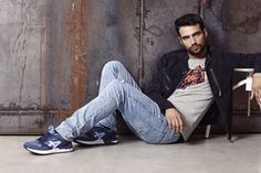 Jesus Castro para Bass3DbyXTI www.hervasarcher,com #jesuscastro #sneakers #celebrity #actor #men