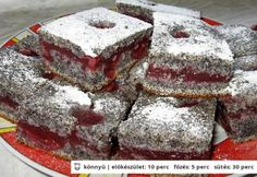 Bögrés krémes meggyes-mákos kocka Czech Recipes, Ethnic Recipes, Poppy Cake, Sweet Cookies, Hungarian Recipes, Sweet Recipes, Tiramisu, Cooking Recipes, Sweets