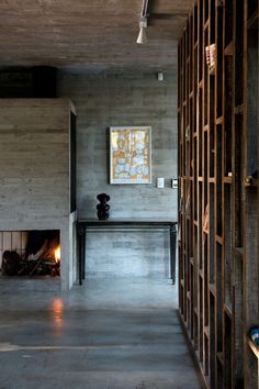 Image 16 of 29 from gallery of Valeria House / BAK Arquitectos. Photograph by Daniela Mac Adden Brutalist, Ground Floor, Interior Architecture, Townhouse, Home Goods, Concrete, Victoria, Contemporary, Gallery