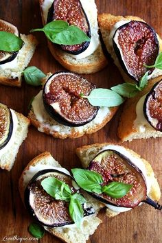Roasted Fig Bruschetta   #figs #heathy #food