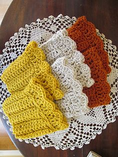 Easy Boot Cuffs By Lori Bennett Kramer - Free Crochet Pattern - (ravelry) Easy Boot Cuffs By Lori Bennett Kramer - Free Crochet Pattern - (ravelry) Crochet Boot Cuffs, Crochet Leg Warmers, Crochet Boots, Crochet Gloves, Crochet Slippers, Knit Or Crochet, Cute Crochet, Crochet Scarves, Crochet Crafts