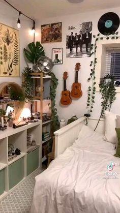 Room Design Bedroom, Room Ideas Bedroom, Bedroom Decor, Wood Room Ideas, Decor Room, Bedroom Inspo, Indie Room Decor, Aesthetic Room Decor, Tumblr Room Decor