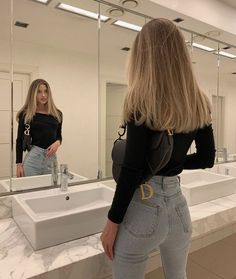 Honey Blonde Hair, Blonde Hair Looks, Blonde Hair With Highlights, Brown To Blonde, Light Blonde, Light Brunette Hair, Champagne Blonde Hair, Brunette Color, Balayage Hair Blonde