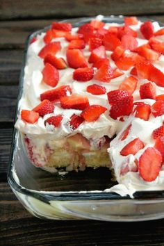 No-Bake Strawberry B  No-Bake Strawberry Banana Pudding Twinkies® Cake