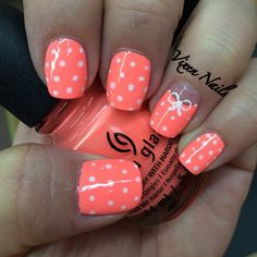 Simple polka dots and bows #nailart