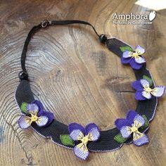 イーネ・オヤ刺繍針で作る繊細なレースネックレス/パンジーの花