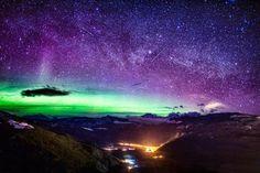 Le luci del Nord sulle Montagne Rocciose