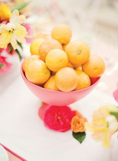 Lemon centerpiece | photography by https://www.ktmerry.com/