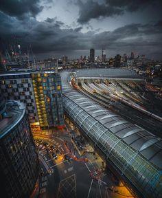 "Polubienia: 27.6 tys., komentarze: 85 – @LONDON (@london) na Instagramie: ""#Waterloo and goodnight 😱🙈 || 📸 Epic @josh.perrett 😍 || #thisislondon"""