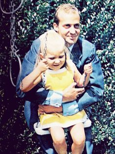 princefelipeismyhomeboy: King Juan Carlos of Spain with his daughter, Infanta Elena. Daddys Little Girls, Daddys Girl, Spain History, Spanish Royalty, Princess Sophia, Spanish Royal Family, Luke Evans, Queen Letizia, Throughout The World