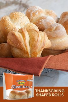 Shape your dinner table with shaped rolls using Rhodes Bake-N-Serv® Dinner Rolls. This fun twist on a simple roll adds an elegant touch to any meal. Thanksgiving Recipes, Fall Recipes, Holiday Recipes, Christmas Recipes, Rhodes Dinner Rolls, Rhodes Rolls, Empanadas, Frozen Bread Dough, Dinner Rolls Recipe