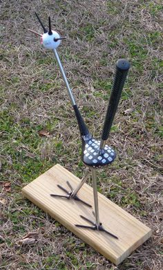 Repurposed golf clubs make fun art projects. Old golf clubs never die, they just keep on making birdies.