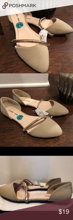 🆕 Celebrity Pink Tan Gold Strap Flats 🆕 Celebrity Pink Tan Gold Strap Flats Celebrity Pink Shoes Flats & Loafers