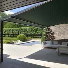 Pergolamarkise - minimalistisk og stilfullt | Solskjerming ute | uteDESIGN Room To Grow, Garden Design, Home And Garden, Backyard, Instagram Posts, Outdoor Decor, Alice, Patio, Summer