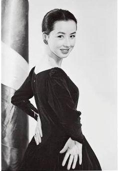 「八千草 薫」の画像検索結果 Beautiful Person, Vintage Pins, Actors & Actresses, Idol, Japanese, Models, Female, Retro, Beauty