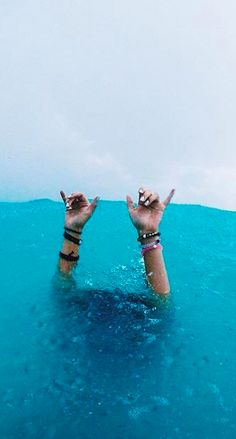Hang loose with #livelokai