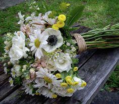 Свадебный блог YaNevesta.com: Используем в букете невесты полевые цветы
