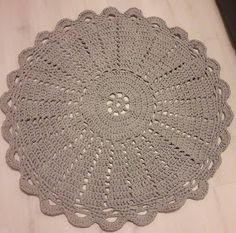 Tilkkutäti: Virkattu matto Knit Crochet, Embroidery, Rugs, Knitting, My Love, Crocheting, Home Decor, Trapper Keeper, Farmhouse Rugs