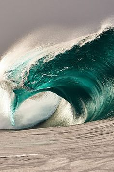 ~~Surf by Russell Ord~~ Ocean waves No Wave, Water Waves, Sea Waves, Sea And Ocean, Ocean Beach, Surf Mar, Beautiful Ocean, Surfs Up, Ocean Life