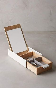 Sung Wook Park for Umbra Reflection Jewelry Box - DIY Jewelry Vintage Ideen Jewellery Boxes, Wooden Jewelry Boxes, Jewellery Storage, Jewellery Display, Gold Jewellery, Silver Jewelry, Irish Jewelry, Necklace Storage, Diy Drawers