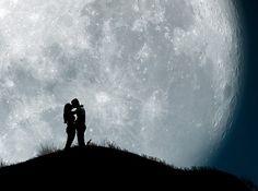 Parece que hoje a noite vai ter uma Super Lua no hemisfério sul da Terra, então não será de se espantar que os entusiastas da fotografias fiquem loucos para apontar suas câmeras para o céu noturno.…