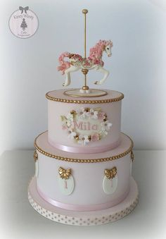 Carousel cake for a firs birthday! So elegant and beautiful! Gorgeous Cakes, Pretty Cakes, Cute Cakes, Carousel Birthday Parties, Baby Birthday Cakes, Carousel Cake, Carousel Party, Torta Baby Shower, Gateaux Cake