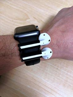 AirPods holder for Apple Watch band If you have AirPods and a watch, you NEED this! Excited to share the latest addition to my shop: AirPods holder for Apple Watch band Apple Watch Accessories, Iphone Accessories, Smart Watch Apple, Apple Watch Bands, Smart Watch Price, Copo Starbucks, Airpods Apple, Accessoires Iphone, Lifehacks