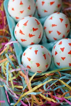 When it comes to Easter, I love to bring carrots and bunnies into the decor whenever possible. You might remember my DIY carrot cupcake toppers from last year. Well this year, it's carrot confetti eggs! I love the idea of confetti as a way to celebrate, and I thought little carrot confetti would be fun,…