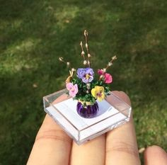 Wilhelmina Secumski, Wilhelmina's miniatures - pansies and pussywillows