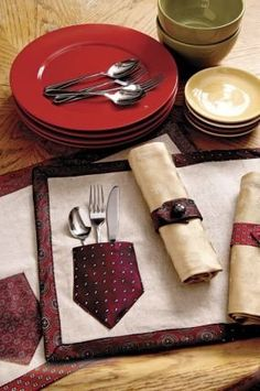 Necktie crafts are a fun way to make outdated men's ties cool and useful again! Check out these 10 DIY upcycled necktie crafts & tutorials for inspiration, then grab an old necktie and make something! Old Neck Ties, Old Ties, Necktie Quilt, Ideas Hogar, Upcycled Crafts, Upcycled Clothing, Repurposed, Napkin Rings, Craft Projects