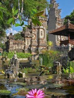 Nusa Dua - Picz Mania: http://www.pinterest.com/faireemum/places-id-like-to-go/