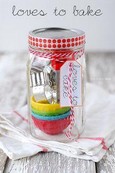 51 Christmas Gift-In-A-Jar Ideas#tipitApron in a jarBrownie mix in a jarPotpourri in a jarCinnamon popcorn In a jarCinnamon vanilla sugar scrubCrafting kitCupcake in a jarDetox bath in a jarDiy snow globe gift cardDog bone biscuits in a jarManicure In a jarBath fizzes in a jarCard making kitNutter butter santas in a jarPlz/thnx