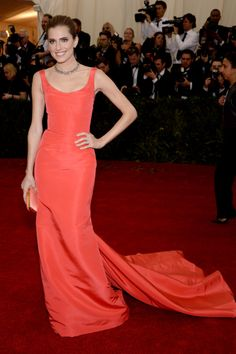 Allison Williams in Oscar de la Renta... loveee this burnt orange!