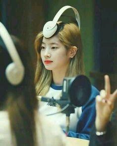 Just don't let Dahyun get bored Nayeon, K Pop, Kpop Girl Groups, Korean Girl Groups, Kpop Girls, Meme Faces, Funny Faces, Extended Play, Daehyun