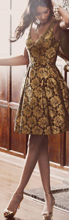 Women's fashion | Chic golden dress