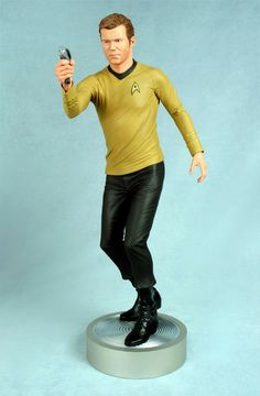 Star Trek Captain James T. Kirk Statue - 48cm - Only £295!!