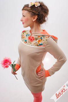 Long- Hoodie- Helène- Beige, Sommerblumen Koralle von mydearlove® - shop auf DaWanda.com