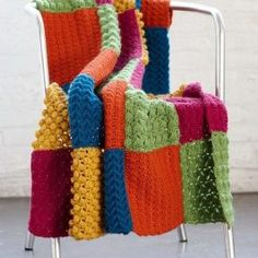 Try this Crochet Chevron Blanket Pattern today! This Crochet Chevron pattern for this blanket is easy to make and uses a simple chevron crochet repeat! Crochet Throw Pattern, Easy Crochet Blanket, Crochet Squares, Love Crochet, Crochet Stitches, Crochet Blankets, Knit Crochet, Crochet Afghans, Crochet Box