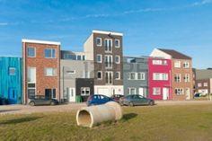 Vrije keus van voorgevel door bewoners, diversiteit in de wijk. M.T. Otten