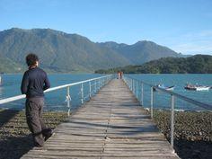Muelle en Hornopirén, Región de Los Lagos, Chile.