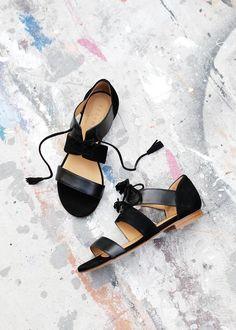 Sezane Sandales, Chaussures Noires, Sandales Femme, Bottines, Sandales Plates  Femme, Chaussures 3ad1f33854a5