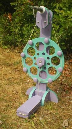 DIY Spinning Wheel From Reclaimed Materials. like the knobs to hold the driveband. Diy Spinning Wheel, Spinning Wool, Spinning Wheels, Hand Spinning, Yarn Crafts, Diy Crafts, Wheel In The Sky, Drop Spindle, Diy Stuffed Animals