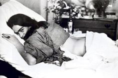 Aun en su dolor sigue sonriente #Frida Kahlo
