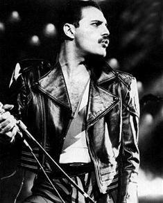 Freddie Mercury <3. This is an appropriate time for a heart. I swear.