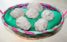 Gonna make these dinosaur eggs for my nieces and charges for Easter.