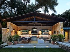 Patio & Things | Entertaining outdoors in Miami during the holidays
