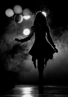 silhouette portrait - the splash of color is a genius idea. a silhouette in darkness - AWESOME! Night Photography, Creative Photography, White Photography, Amazing Photography, Portrait Photography, Balloons Photography, Halloween Photography, Street Photography, Mysterious Photography