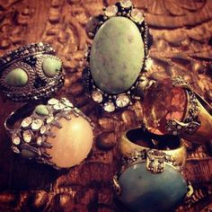 Totally my style. Now to find them... GYPSY STYLE - 4 RINGS