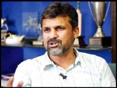 کراچی: پی سی بی کے چیف سلیکٹر اورقومی کرکٹ ٹیم کے منیجر معین خان نے کہا ہے کہ سری لنکا کی ٹیم ہمیشہ ہماری سخت حریف رہی ہے، ٹیسٹ اور ون ڈے سیریز کے نتائج پرحوصلہ شکنی کے بجائے عالمی کپ پر توجہ مرکوز کرنے کی ضرورت ہے۔