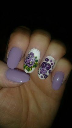 Mis lindas violetas y amo los buhos. Siguen ruth_nails.
